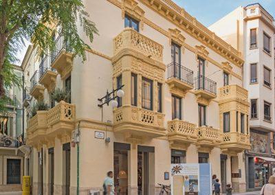 Empresa constructora especializada en rehabilitación, refuerzo de estructuras y edificación.