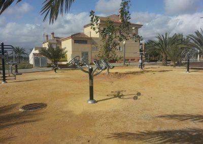 Construcción de 11 parques equipados con aparatos saludables (ELCHE).